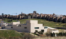 """Los Reyes de España inauguran el """"Lienzo Norte"""" en Ávila"""