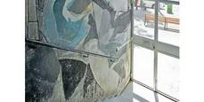 Un mural de Guinovart en edificio de viviendas de Coderch de la Barceloneta, seriamente amenazado.