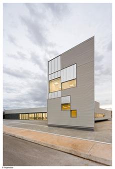 ARQUITECTURIA: Centro de Asistencia Primaria en l'Aldea